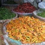 Chilis auf dem Großmarkt