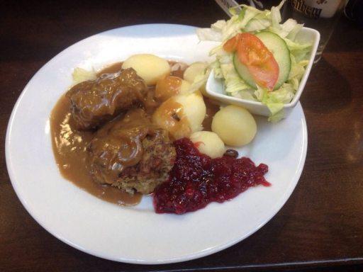 Ein Muss in Göteborg: Köttbullar mit Preiselbeeren