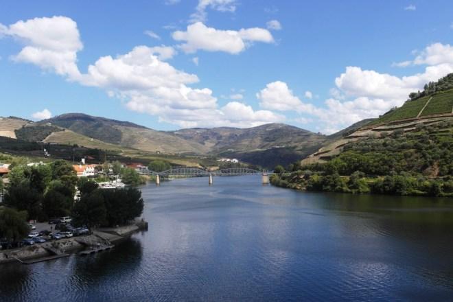 Per Zug von Porto ins Douro-Tal: Ein Traum für eine individuelle Reise durch Portugal