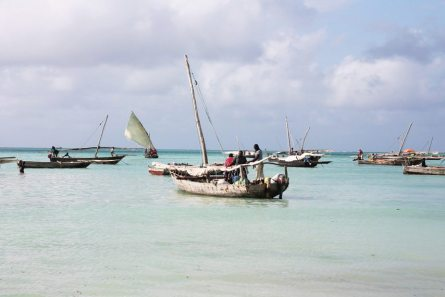 Fischerboote in Nungwi - Sansibar Backpacking