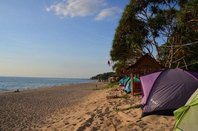 Am Klong Nin Beach von Koh Lanta gab es jeden Tag kostenlose Yogastunden