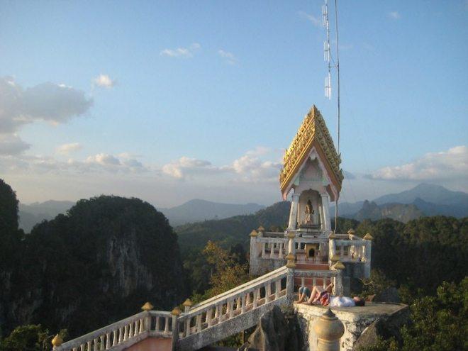 Bester Ort zum Innehalten: 270 m hoch ueber Krabi