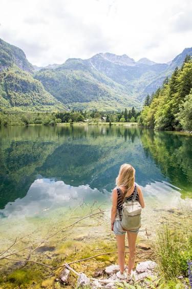 Vollkommene Ruhe und Freiheit am See Bohinj in Slowenien