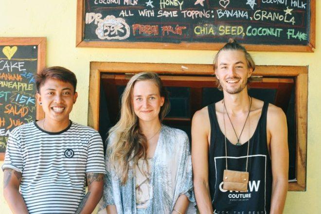 Sina und Bennet von Ferndurst mi Putu von Penida Espresso auf Nusa Penida - nachhaltig Reisen