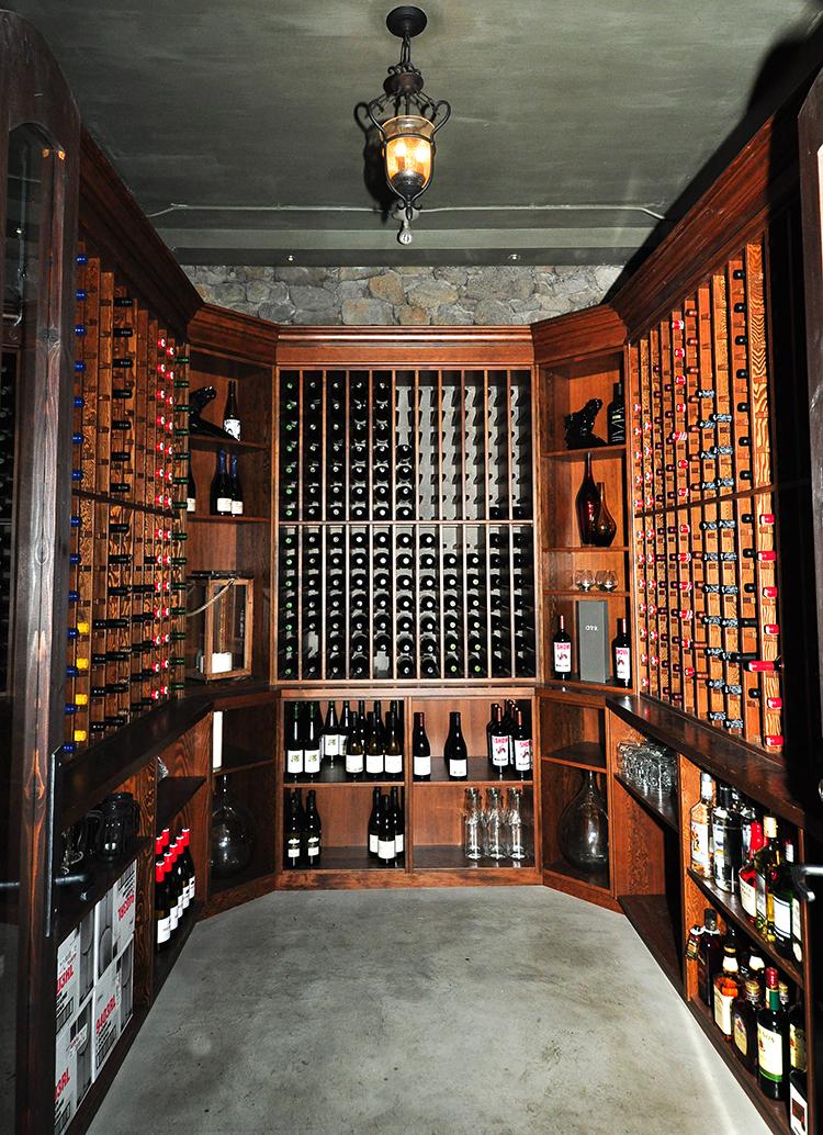 Livery whole wine cellar