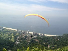 Ron paragliding