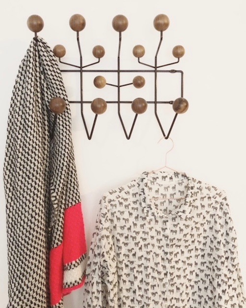 house on fernlane - schlafzimmer - hang it all - eames - vitra
