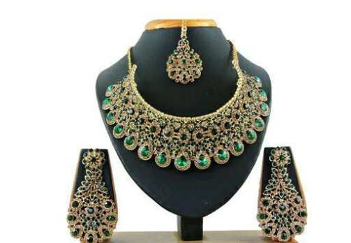 Shimmering Jewellery Sets