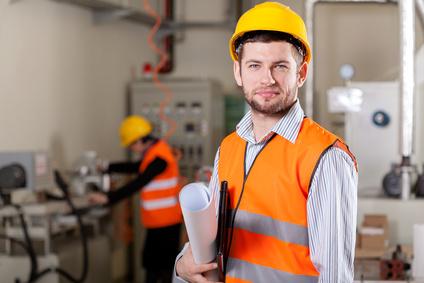 <strong>In diesem Fernstudium wird die Betriebswirtschaftslehre mit dem Ingenieurwesen vereint.</strong><br/>© Photographee.eu - Fotolia.com