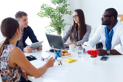 <strong>Das Fernstudium Ökonomie und Management verleiht Ihnen wirtschaftliche- und sozialwissenschaftliche Fähigkeiten.</strong> © nenetus - Fotolia.com