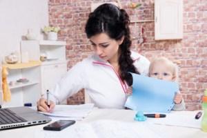 Die Vereinbarkeit von Familie, Studium und Beruf sollte sichergestellt sein.  © Iurii Sokolov - Fotolia.com