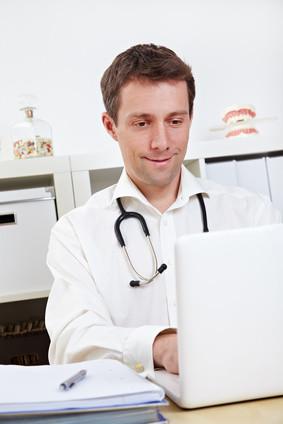 Praxismanagement ist ein unverzichtbarer Bestandteil für Arztpraxen oder Apotheken. © Robert Kneschke - Fotolia.com