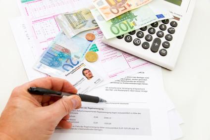 Fernstudium und Krankenversicherung - viele Fragen, die geklärt werden müssen! © Jürgen Fälchle - Fotolia.com