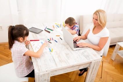 Fernstudium mit Kind, ist das möglich? © Spectral-Design - Fotolia.com