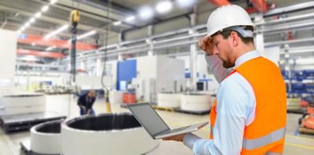 <strong>Informatiker, die Wirtschaftliche Zusammenhänge Versethen zählen zu den gefragtesten Mitarbeitern. </strong><br /> © industrieblick - Fotolia.com
