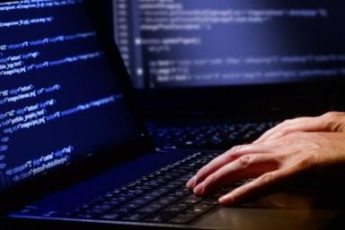 <strong>Der IT-Manager ist in der Lage professionelle Informationssysteme zu planen, gestalten und zu programmieren.</strong><br/>© Artur Marciniec - Fotolia.com