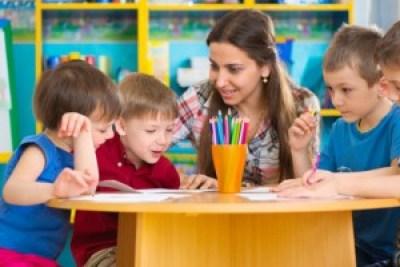 <strong>Erziehungsberater setzten sich für eine liebevolle Beziehung zwischen Eltern und Kind ein.</strong><br/>© Petro Feketa - Fotolia.com