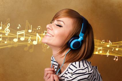 """<strong>Jeder der sich für Musik interessiert kann am Fernkurs """"Musik lernen nach Noten"""" teilnehmen.</strong><br/>© ra2 studio - Fotolia.com"""