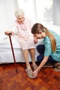 <strong>Ältere Menschen brauchen besondere Pflege und Hingabe.</strong><br/>© Robert Kneschke - Fotolia.com