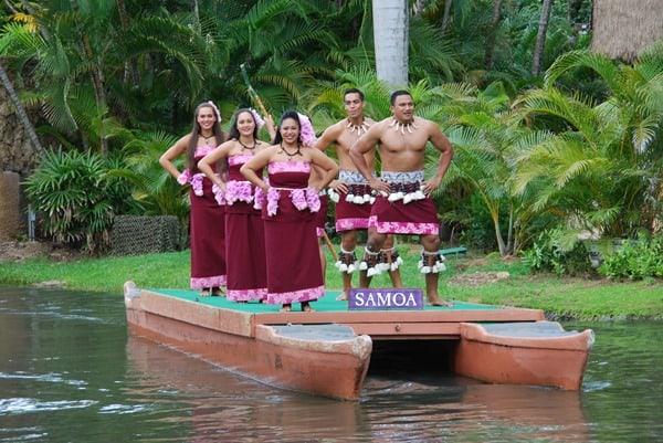 09_Polynesian-Cultural-Center-Samoa