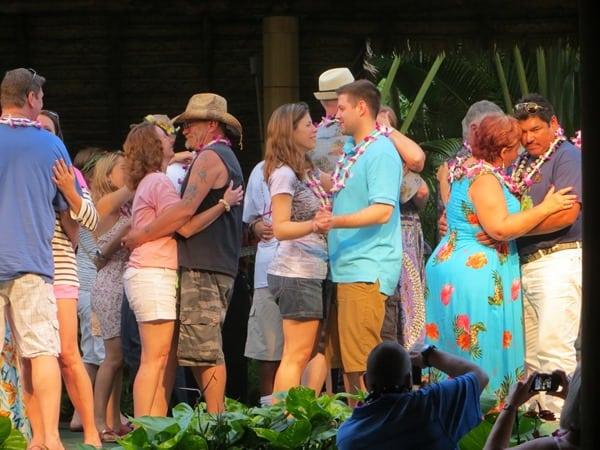 24_Polynesian-Cultural-Center-Luau-Diner-Dancing