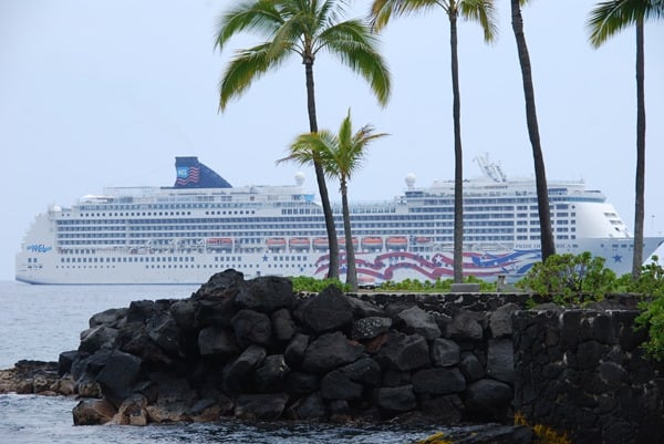 17_NCL-Pride-of-America-Kona-Big-Island-Hawaii