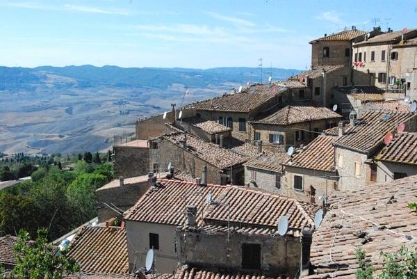 54_Volterra-Toskana-Italien-Daecher