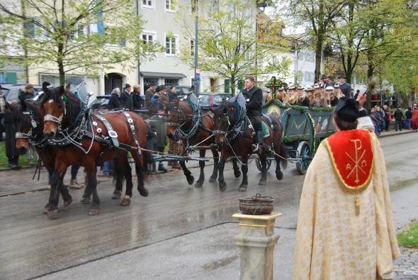 00 Leonhardi Wallfahrt Bad Toelz Oberbayern Bayern Segnung 590x395 1