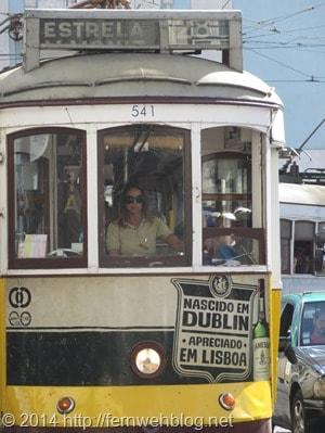 01_Strassenbahn-Trambahn-Estrela-Lissabon-Portugal