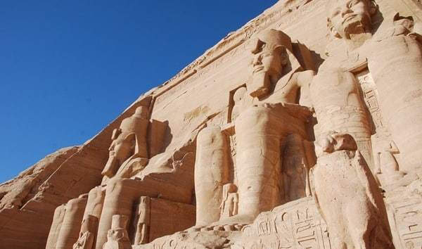 Abu Simbel Großer Tempel Statuen Ägypten Urlaub Nilkreuzfahrt