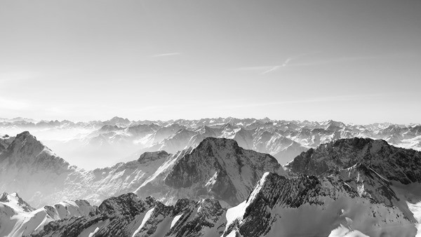 06_Alpenpanorama-Zugspitze-Schwarz-Weiss
