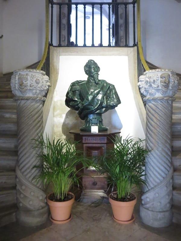 14_Bueste-im-Palast-Palacio-Nacional-da-Pena-Sintra-Lissabon-Portugal
