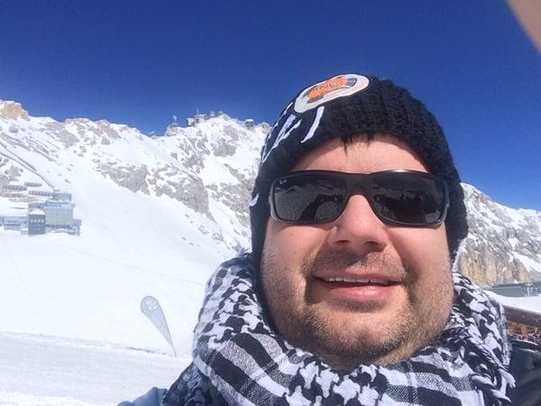 17_Reiseblogger-Daniel-Dorfer-Selfie-Zugspitze