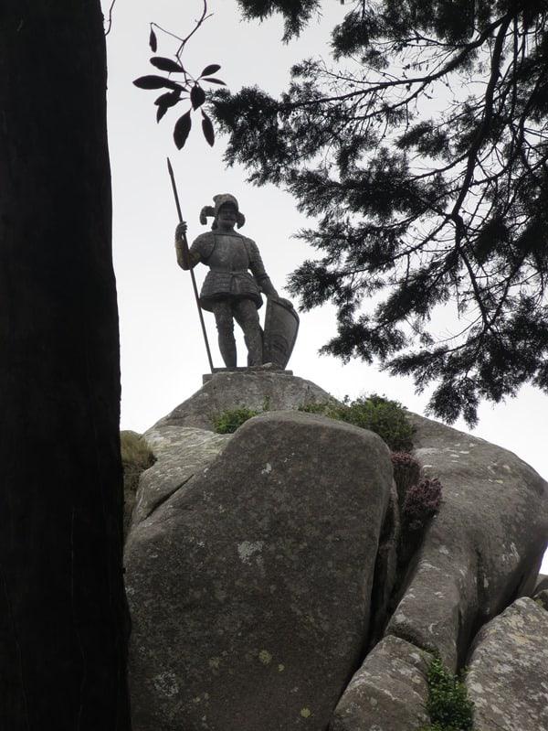 29_Statue-Koenig-Ferdinand-II-Palacio-Nacional-da-Pena-Sintra-Lissabon-Portugal