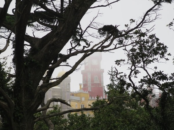 32_Maerchenschloss-im-Nebel-Palacio-Nacional-da-Pena-Sintra-Lissabon-Portugal