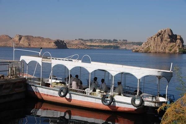 03_Ausflugsboot-Assuan-Aegypten-Nilkreuzfahrt