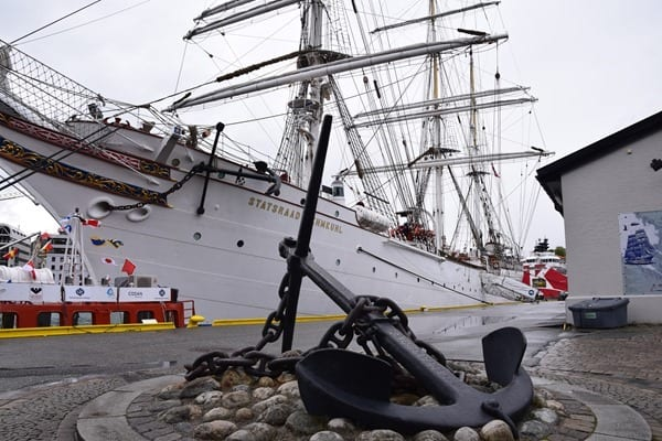 08_Dreimaster-Windjammer-Bergen-Norwegen-Hafen