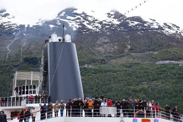 13_MSC-Sinfonia-Geiranger-Fjord-Norwegen-Passagiere