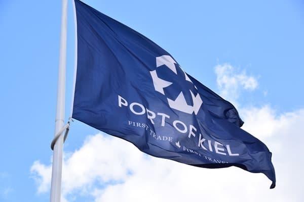 01_Port-of-Kiel-Flag-Flagge-Hafen-Kiel