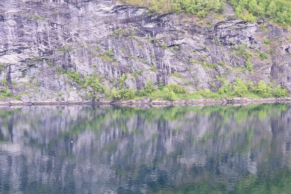 Spiegelung Geirangerfjord Landschaft Norwegen MSC Sinfonia Kreuzfahrt