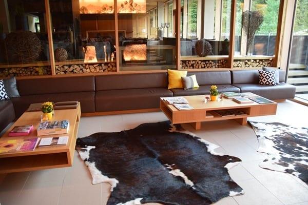02_Lounge-Hotel-Sonne-Lifestyle-Resort-Mellau-Bregenzerwald-Vorarlberg-Oesterreich