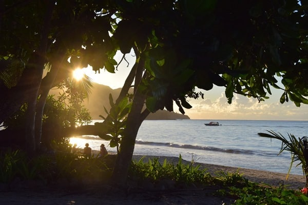 24_Sonnenuntergang-Strand-Beau-Vallon-Mahe-Seychellen