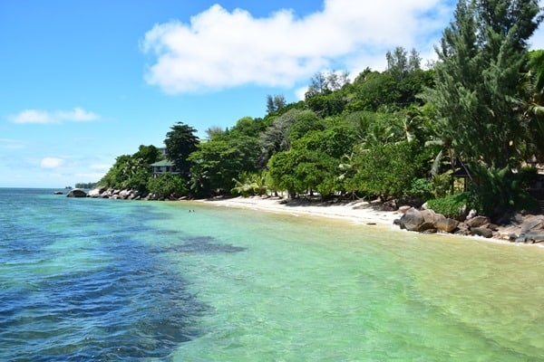 28_Coco-de-Mer-Hotel-Strand-Anse-Cimetiere-Praslin-Seychellen