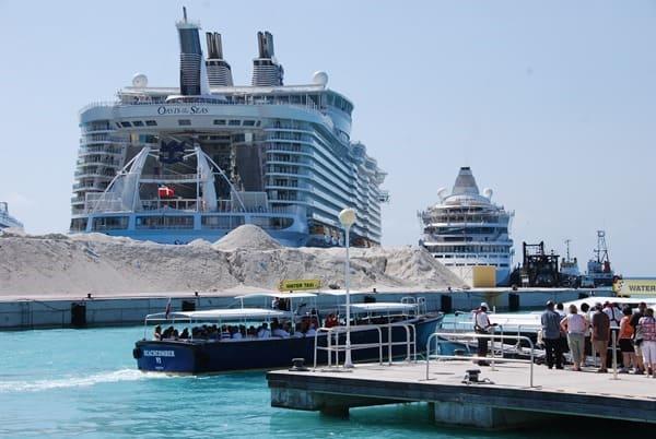 Kreuzfahrtschiffe-Oasis-of-the-Seas AIDAvita-Saint-Martin-Karibik-im-Vergleich