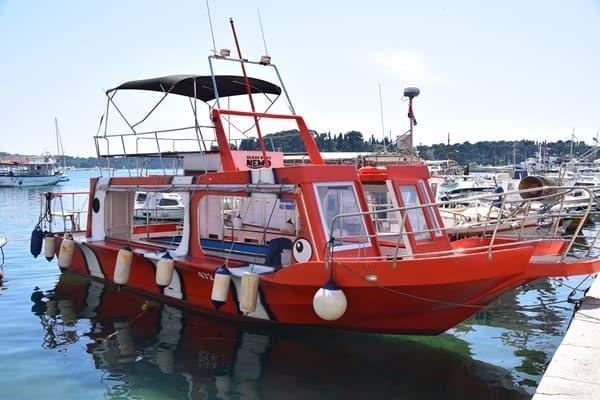 18_Glasbodenboot-Nemo-Hafen-Rovinj-Istrien-Kroatien