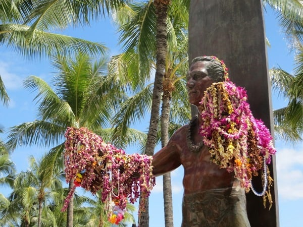 04_Statue-Duke-Paoa-Kahanamoku-Waikiki-Beach-Honolulu-Oahu-Hawaii