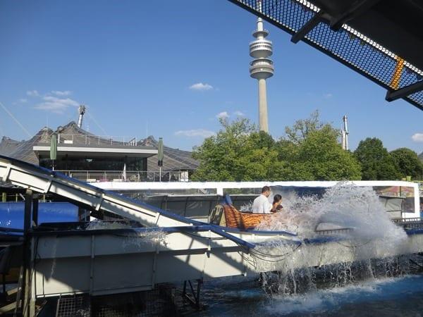 05_Wildwasserbahn-Sommer-im-Park-Olympiapark-Muenchen-Bayern