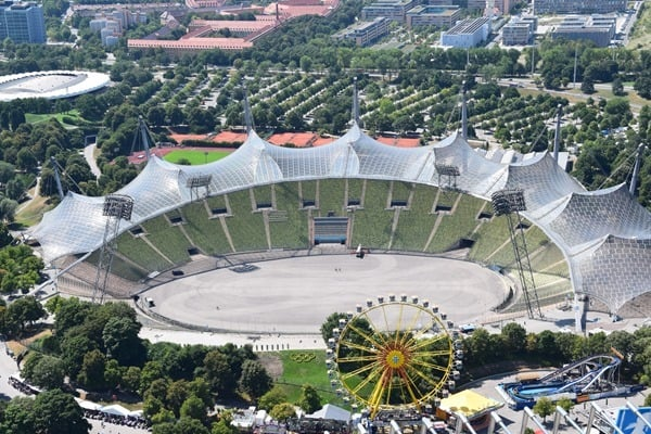 18_Olympiastadion-vom-Olympiaturm-Olympiapark-Muenchen-Bayern