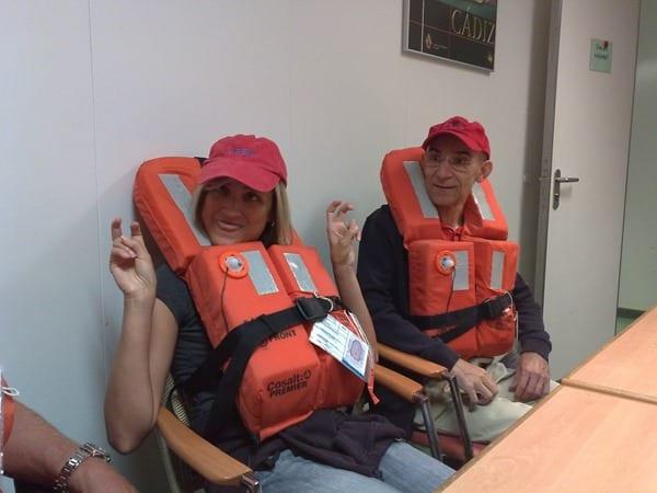 Seetag Kreuzfahrt Seenotrettungsuebung Personal Kreuzfahrtschiff