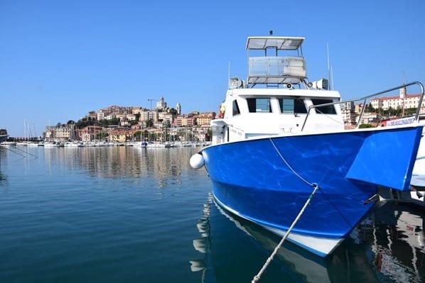 Whale watch Imperia Schiff Corsara Hafen Imperia Ligurien Italien